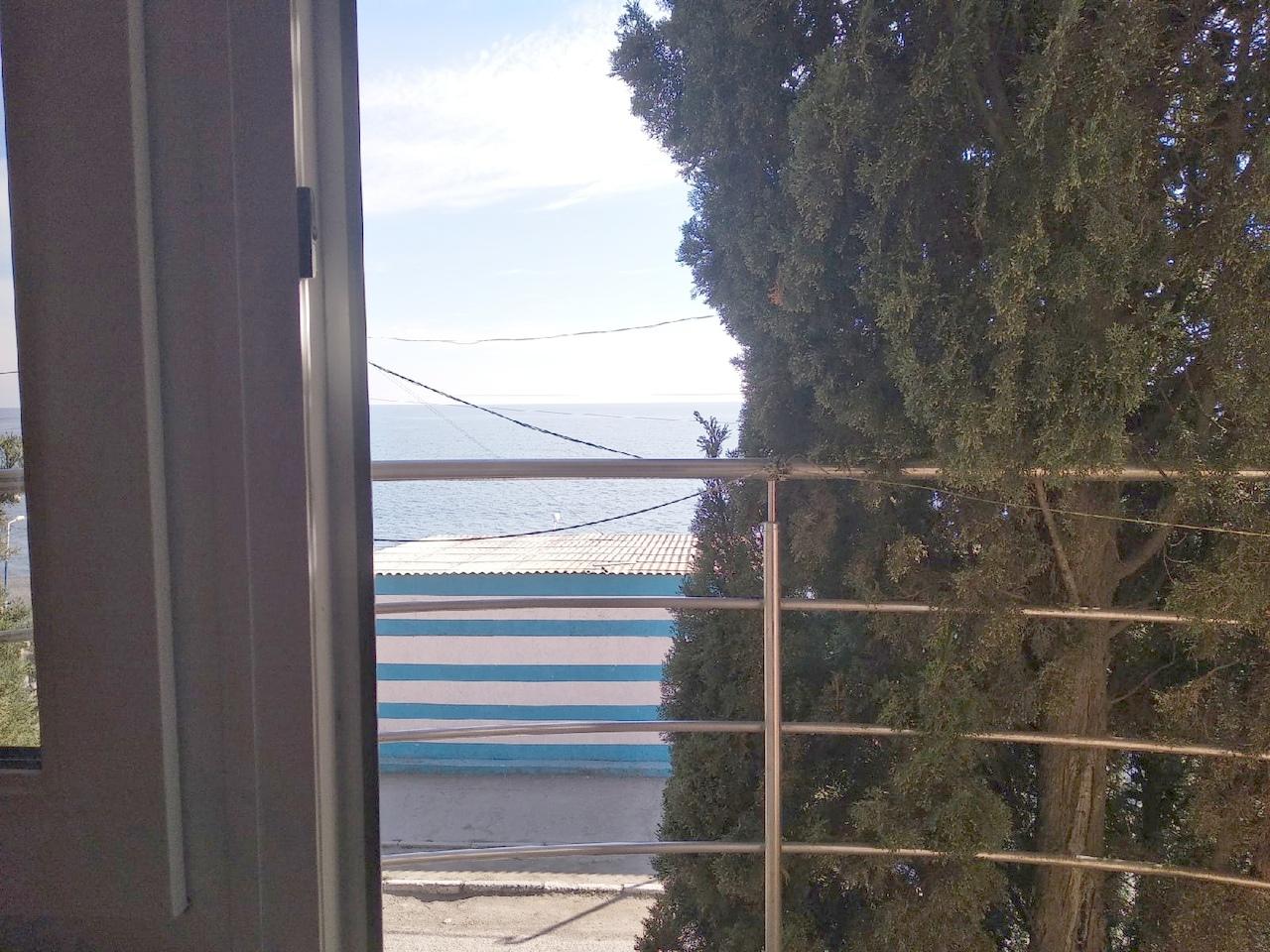 Стандартный, с балконом